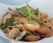 cambodia-spaghetti-with-calm-shells
