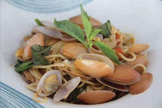 Spaghetti With Clam Shells